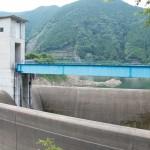 有間ダム(名栗湖)の洪水吐画像