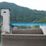 埼玉県、有間ダム(名栗湖)の洪水吐画像
