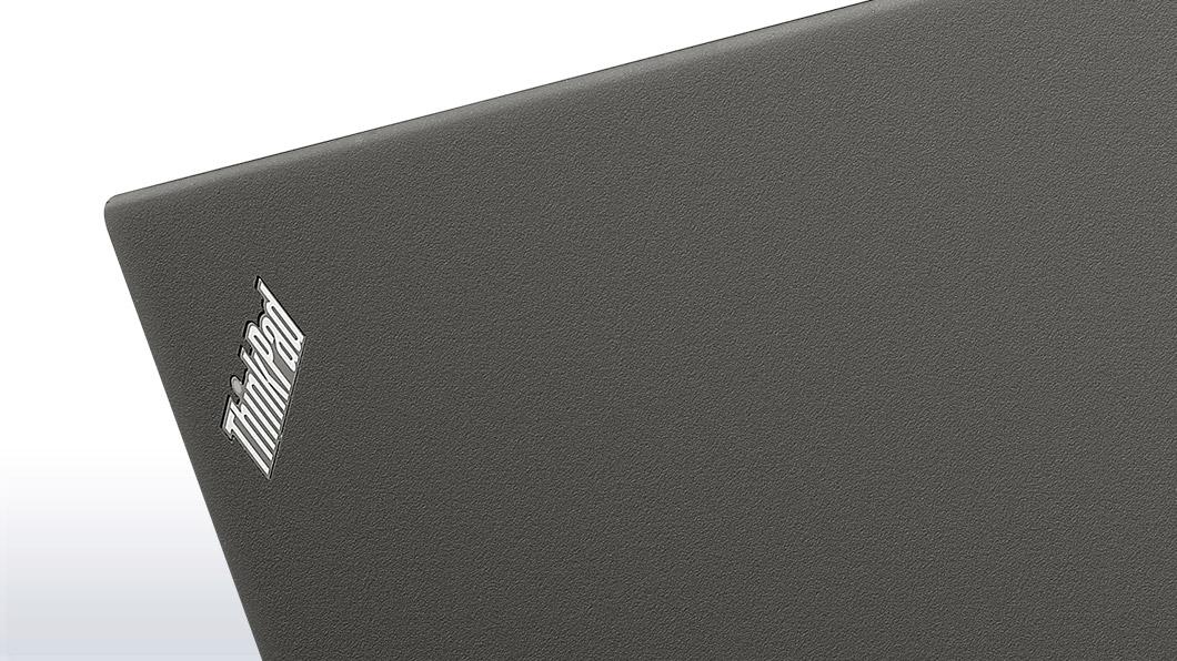 ThinkPad X240、天板ロゴ部分画像