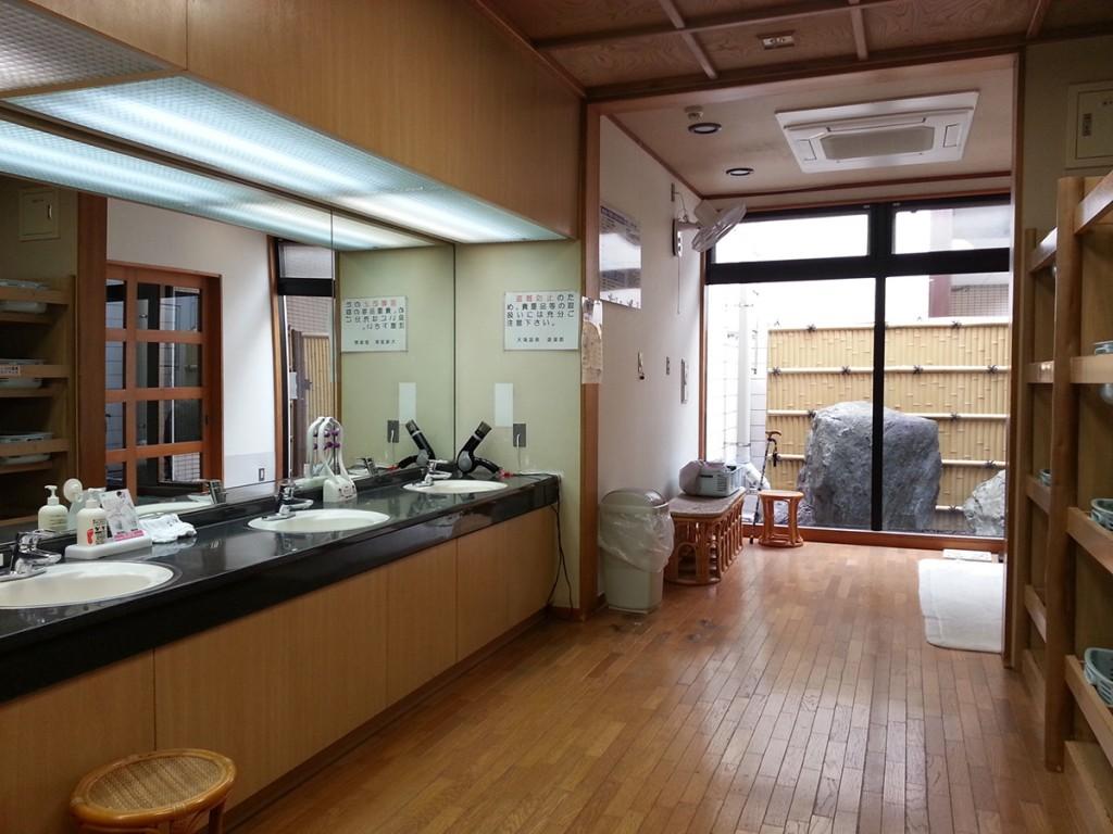 大滝温泉遊湯館、男風呂更衣室