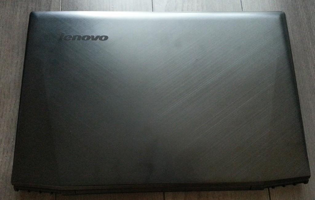 Lenovo Y50天板部分写真