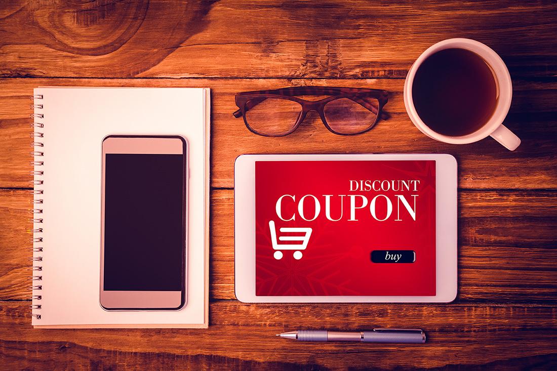 クーポンが表示されたタブレット、Amazon Fireタブレット購入記事アイキャッチ画像