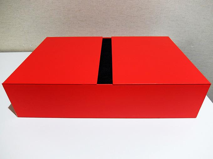 ThinkPad X1 Carbon 2016、パッケージ内側写真