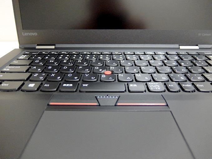 ThinkPad X1 Carbon 2016の左右クリックキー部分写真