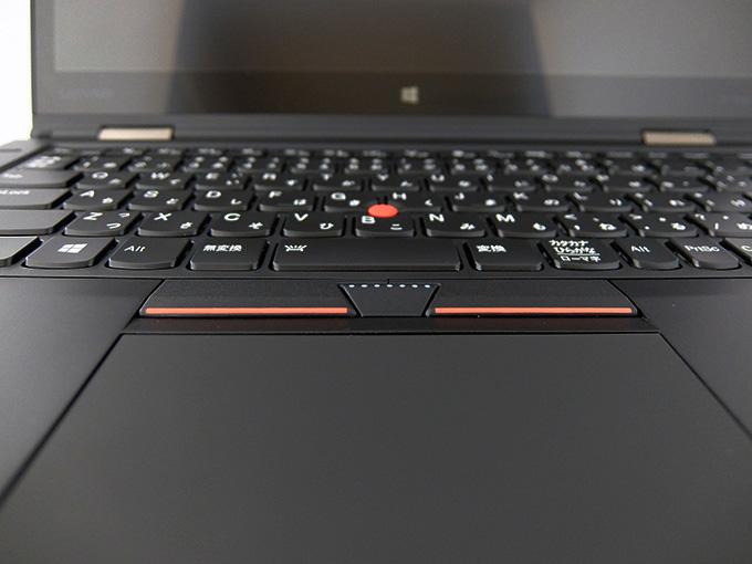ThinkPad X1 Yoga、トラックパッド部分の写真