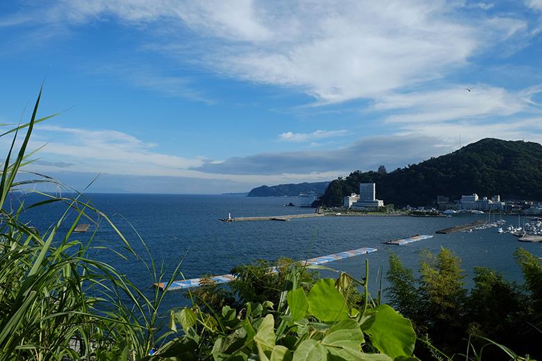 熱海、高台から見えた海