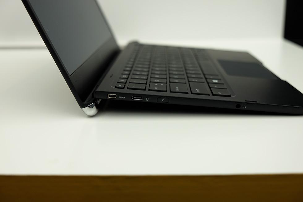 HP Elite x3、ノートドック側面