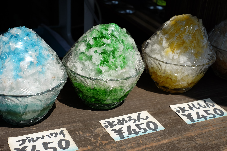 長瀞、岩畳通りにあるお店のかき氷ディスプレイ