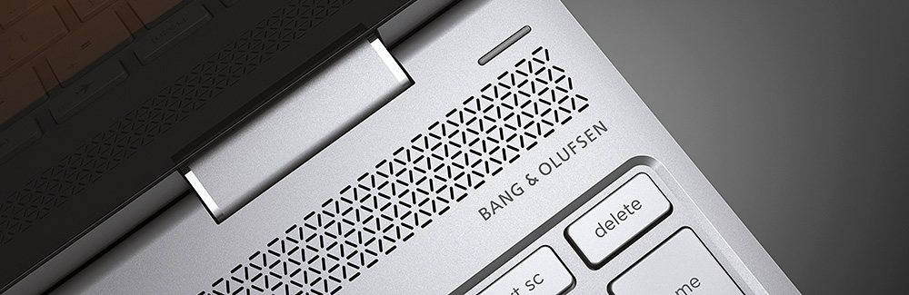 HP Spectre x360に刻まれたBang & Olufsenロゴとスピーカー